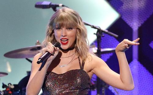 """""""Rắn chúa"""" Taylor Swift biểu diễn tại Liên hoan âm nhạc Glastonbury"""