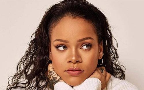 Rihanna xếp trên Beyoncé và Taylor Swift trong danh sách những phụ nữ quyền lực nhất năm