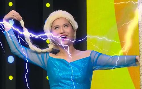 Lâm Vỹ Dạ hóa thân thân thành Elsa lầy lội nhất showbiz