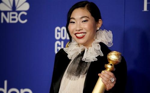 Nữ diễn viên gốc Á làm nên lịch sử tại Quả cầu vàng 2020 là ai?