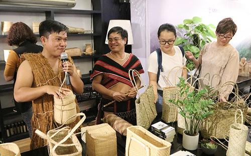Ân tượng nghề đan lát Cơ Tu