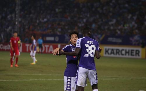 Hà Nội FC thay ngoại binh bất đắc dĩ