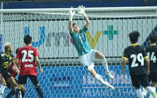 Đặng Văn Lâm có cạnh tranh nổi vị trí thủ môn số 1 CLB Nhật Bản Cerezo Osaka?