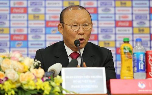 Ai là người đứng sau những bản hợp đồng khủng của HLV Park Hang Seo ?