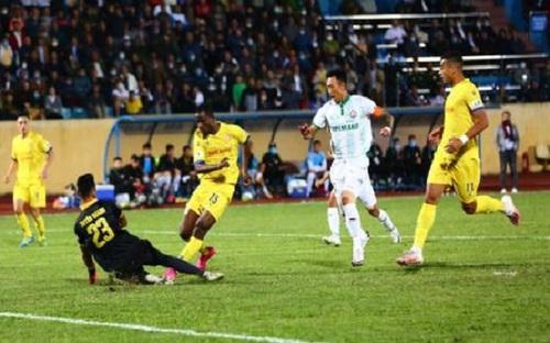 VIDEO: Highlights và bàn thắng: Nam Định 1-0 Bình Định