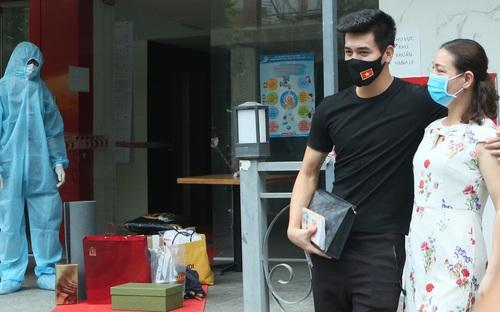 Tuyển Việt Nam và HLV Park Hang Seo được trở về với gia đình sau khi hết hạn cách ly tập trung
